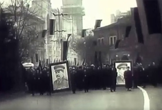 Демонстранты в Тбилиси