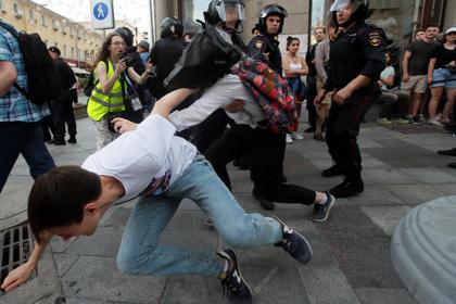 На несанкционированных акциях в Москве поймали более сотни уклонистов