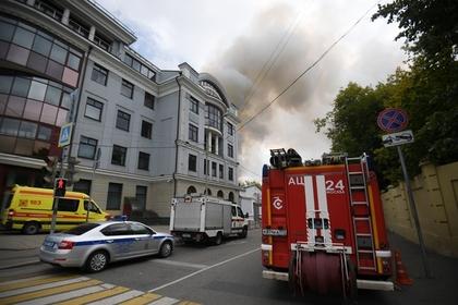 Основной версией крупного пожара в центре Москвы назвали поджог