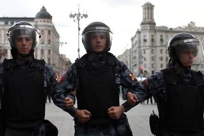 Видео жесткого задержания участников московской акции оказалось «просроченным»