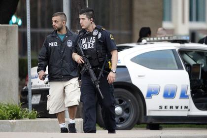 В Техасе неизвестные расстреляли посетителей торгового центра