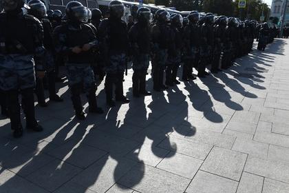 Задержаны еще трое участников несогласованной акции в Москве