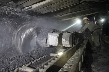 Россия обвалила поставки угля на Украину