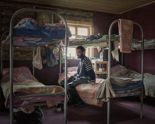Как пишут в своей книге Кастро Прието и Трапьелло, как бы современные обитатели Соловков — от монахов до властей — ни пытались похоронить память о трагическом прошлом острова, она, по мнению фотографов, накрепко впечаталась в коллективное бессознательное.