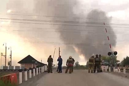 Разлетевшиеся во время взрыва на складе боеприпасы уничтожат