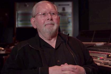 Уволенный композитор Симпсонов обвинил Fox вдискриминации