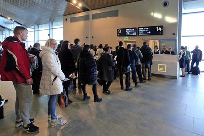 Объяснена страсть россиян к очередям в аэропортах
