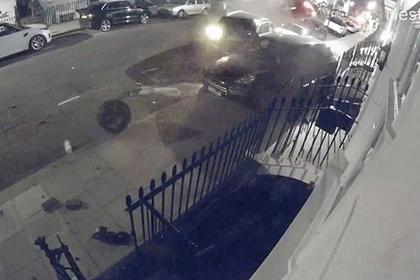 Уличный гонщик случайно разбил 11 дорогих машин и попал на видео