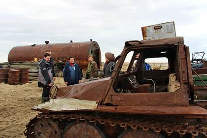 Глава Ямала присоединился к уборке островов в Арктике