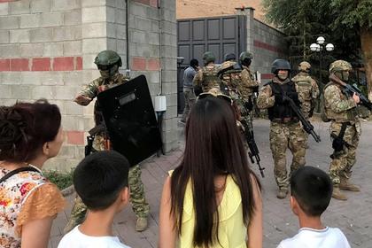 Сторонники Атамбаева обратили в бегство спецназ