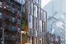 Могут ли украинские архитекторы получить признание за рубежом, например, в США, где своих зодчих хоть отбавляй? Ответ положительный. Этот дом для Нью-Йорка придумало бюро «Архиматика», основанное в 2005 году архитекторами Дмитрием Васильевым и Александром Поповым. У компании есть филиалы в Киеве, Москве и собственно в Нью-Йорке.<br><br>Snail Apartments — 10-этажное здание, расположенное в Челси. Проект — это своеобразный микс нового и старого: здесь и нью-йоркские дома из красного кирпича, и что-то от современных небоскребов. Получилось здорово. Здание очень камерное, всего 2,95 тысячи квадратных метров.