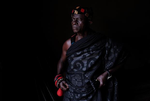 69-летний Нана Ассенсо — старейшина деревни Адидван. «В детстве мне рассказывали историю о двух моих прапрапрадядюшках Кваме Баду и Кофи Абоагье, которые были схвачены и проданы в рабство», — рассказывает он.