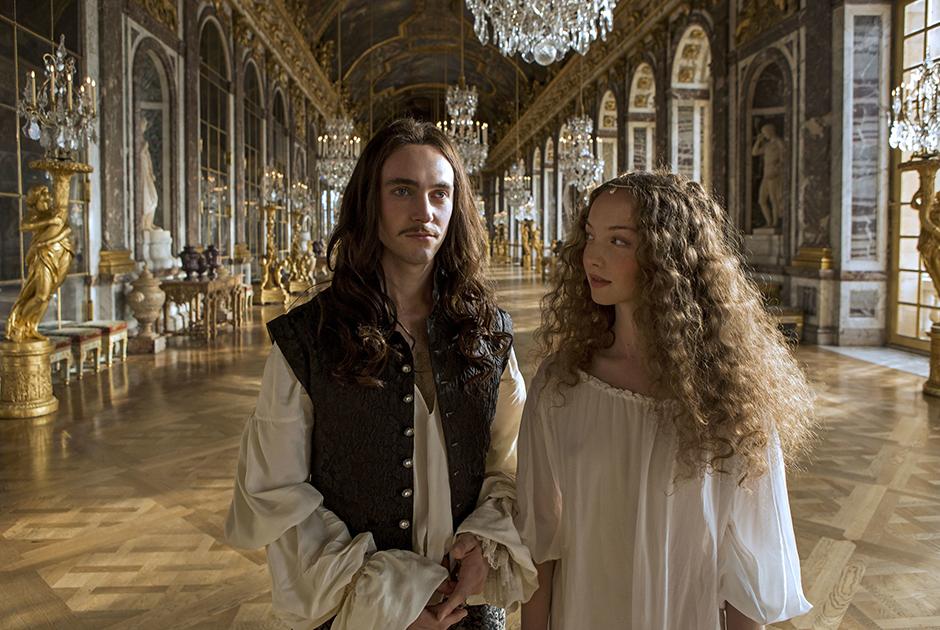 Роскошная жизнь и любовные приключения Людовика XIV не раз привлекали кинематографистов. Одной из последних картин, посвященных его жизни, стал «Версаль»