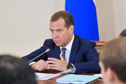 Медведев прокомментировал задержание Атамбаева