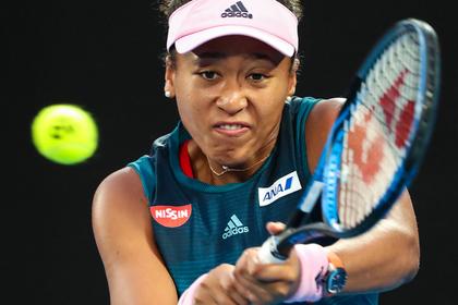 Японская теннисистка одолела Серену Уильямс на корте. Скоро она заберет ее миллионы