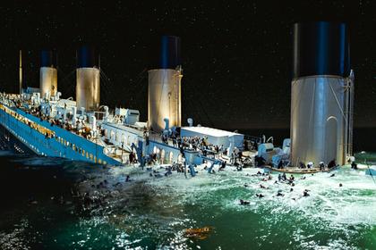 Эта компания построила «Титаник». Теперь она идет ко дну, как и ее знаменитый корабль