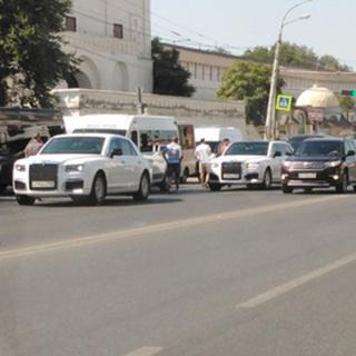 ДТП седана Aurus и маршрутного такси