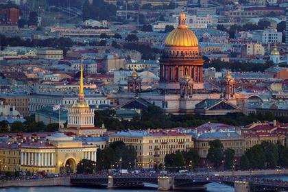 Объяснена симпатия провинциалов к Петербургу и нелюбовь к Москве