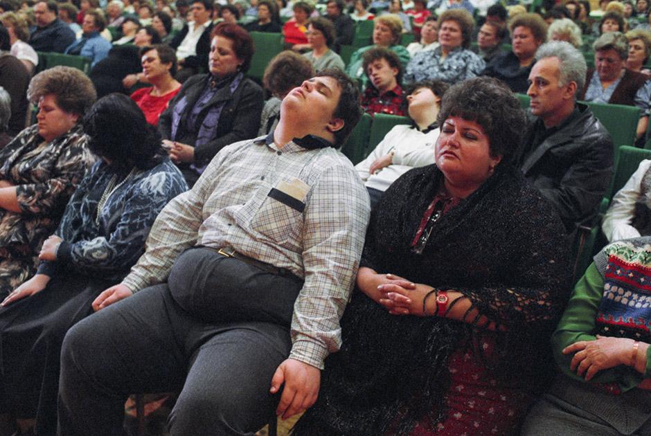 Лечение от ожирения. Сеанс массового гипноза. Москва, 1989 год
