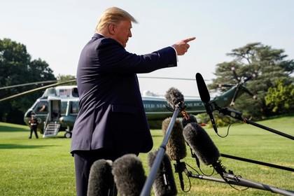 Трамп пригрозил ответить на предупреждения об опасностях в США