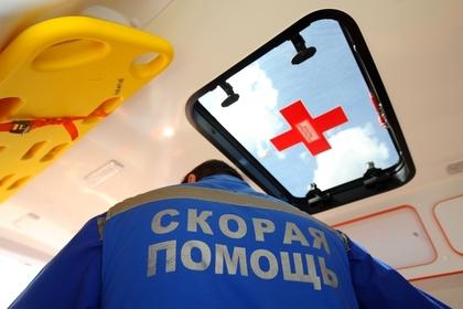 Российский подросток выпил из найденной на улице бутылки и попал в больницу