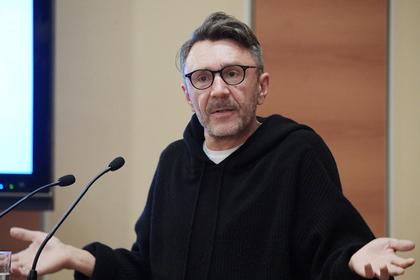Шнуров порассуждал о «протестах под Фейса» и предложил звать Rammstein
