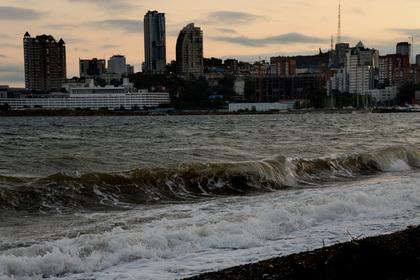 Штормовое предупреждение объявили в Приморье после супертайфуна в Китае