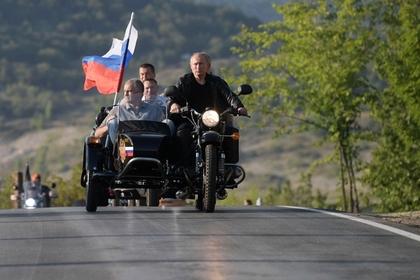 Киев выразил протест из-за поездки Путина в Крым