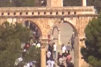 Иудеи и мусульмане не поделили Храмовую гору в Иерусалиме и устроили беспорядки
