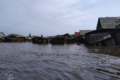 Приехавшие в лагерь дети из подтопленных российских городов ужаснулись условиям