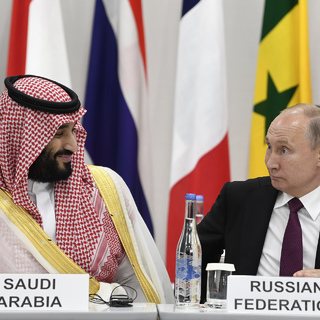 Наследный принц Саудовской Аравии Мухаммед бен Сальман аль Сауд и президент России Владимир Путин