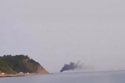 Судно с рыбаками в Черном море загорелось и утонуло