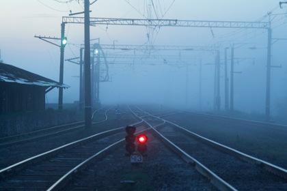 Оставшиеся без дороги россияне стали возить трупы в морг на электричке