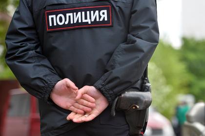 Вооруженный бандит из Солнцевской ОПГ напал на дом российского чиновника