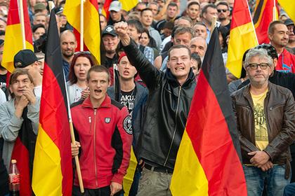 Европа боится возвращения нацистов. На что способны современные наследники Гитлера?