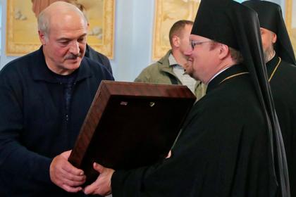 Пока Лукашенко говорит о дружбе с Россией, белорусов штрафуют за русский язык