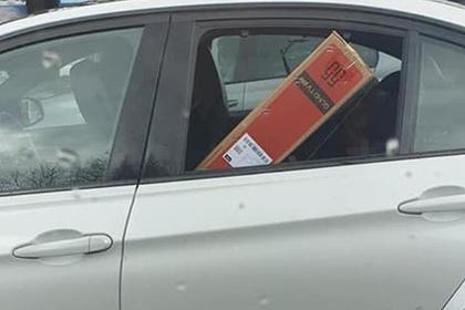 Водитель BMW пожалел денег на доставку телевизора и придавил им ребенка