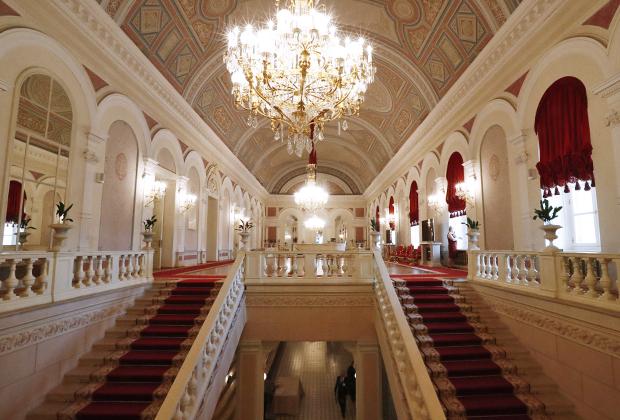 Москва. Лестница в Государственном академическом Большом театре
