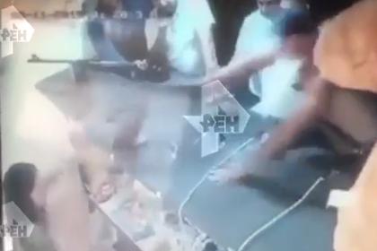 Пьяный мужчина разбил россиянке лицо винтовкой