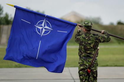 На памятнике погибшим в Великую отечественную войну появились солдаты НАТО