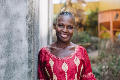 Огромная опухоль на лице почти 20 лет мешала женщине дышать и улыбаться
