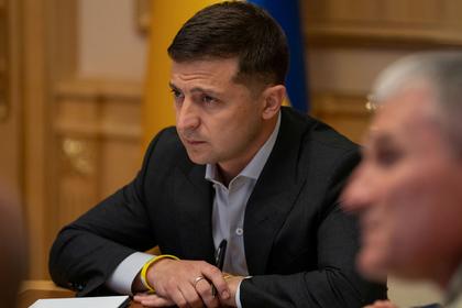 Зеленский уволил переговорщика по Донбассу после слов о гибели военных