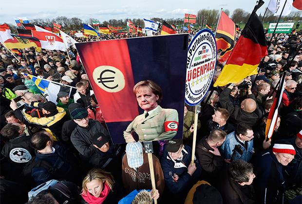 Демонстрация PEGIDA в Дрездене