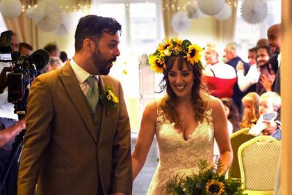 Гостей свадьбы тайно накормили отбросами