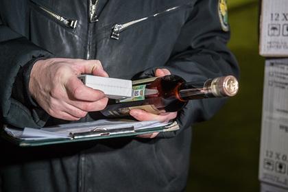 ФСБ нашла подпольный цех с десятью тоннами поддельного алкоголя