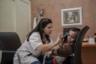 Семьи со всего Марокко везут детей, страдающих ксеродермой, к детскому дерматологу Фатиме Эль-Фатуикаи (Fatima El Fatouikai), которая работает в университетском госпитале Ибн Рушд в Касабланке. В очереди на прием обсуждают слухи о новом методе лечении недуга. Сама Эль-Фатукаи в них не верит. По ее словам, от ксеродермы помогает только профилактика. «Этим детям следует избегать даже минимального облучения солнцем», — говорит она.