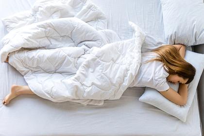 Названы опасные последствия шестичасового сна