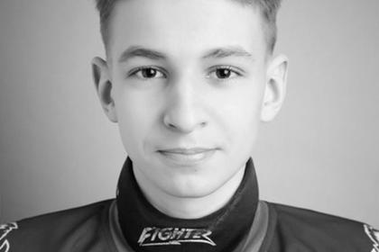 14-летний хоккеист пересекал пути в наушниках и попал под поезд