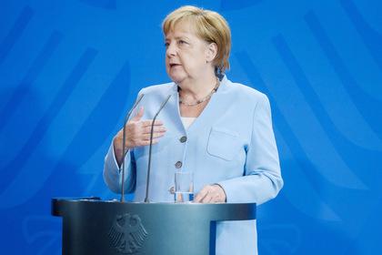 Меркель обвинила Россию в развале ракетного договора с США