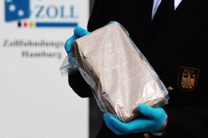 Французские таможенники нашли тонну кокаина